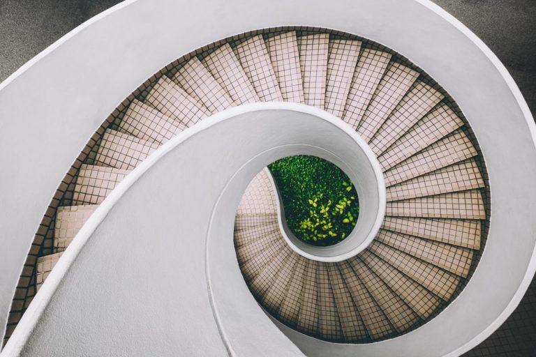 Poszukiwanie schodów